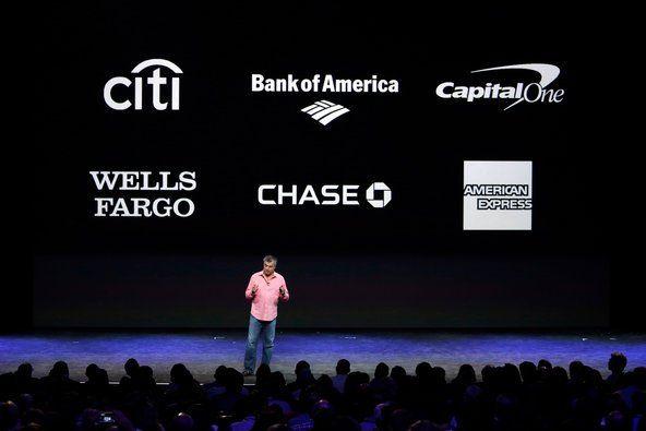 PhoneArenaの報道によると、Appleはモバイルペイメント(決済)サービスの【Apple Pay(アップル・ペイ)】のために更に51もの新たな銀行や金融機関と提携を結んだという。これによって世界の同サービスとの提携銀行と金融機関数は950社を超えた。Appleのお膝元のアメリカ合衆国以外にも、Apple Payは現在まで既にイギリス、オーストラリア、カナダでサービスを開始している。冒頭にも書いたとおり、今年Appleは中国、香港、スペインでサービスを開始する予定だ(悲しいことに日本は今のところ今年の予定にない)