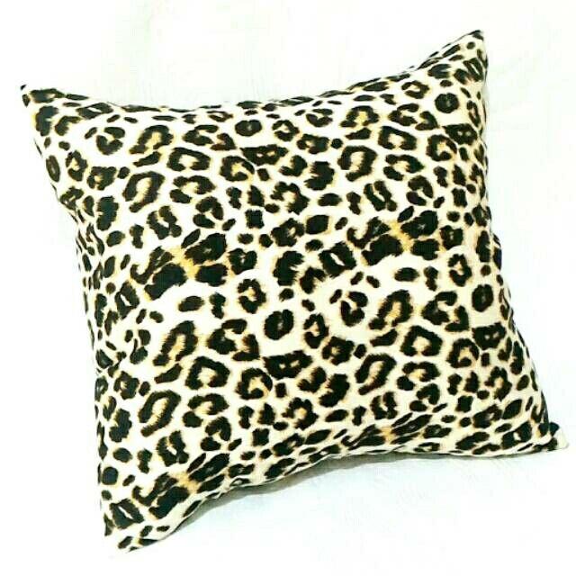 Saya menjual Bantal Sofa China Cotton IDR 25K seharga Rp25.000. Dapatkan produk ini hanya di Shopee! http://shopee.co.id/obralspreimurah/2618409 #ShopeeID