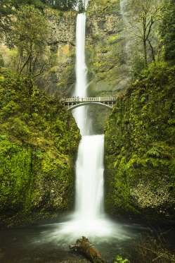 Multnomah Falls, Oregon: We have the state of Oregon to thank for Multnomah Falls' easy visitor acce... - Getty Images/iStockphoto, iStockphoto