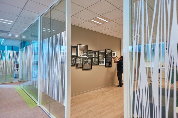 Signalétique du siège d' Euronext réalisée par #Megamark en collaboration avec #Tetris : #vitrophanies, #signalétique, cadres photos, décoration etc...