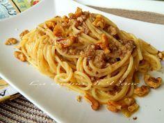 spaghetti ricotta e noci primo goloso, ricetta primo facile e veloce da fare per ottenere pasta cremosa e saporita. ricetta primo piatto con la ricotta