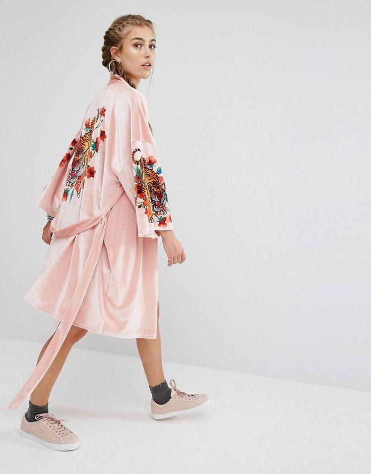 Bild 4 von Jaded London – Velvet Trophy – Kimono mit Tiger auf der Rückseite, Kombiteil