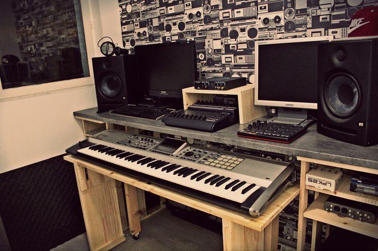 Meuble home studio diy fait maison plan de travail et - Meuble de studio d enregistrement ...