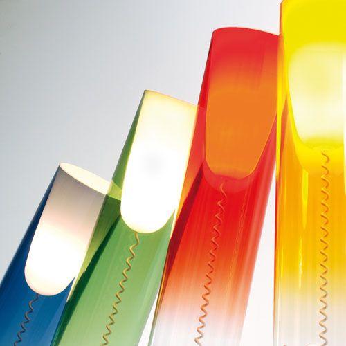 Lampe Toobe #lampe #kartell #design  Retrouvez Toobe ici : http://www.uaredesign.com/toobe-lampe-poser-kartell-rouge.html