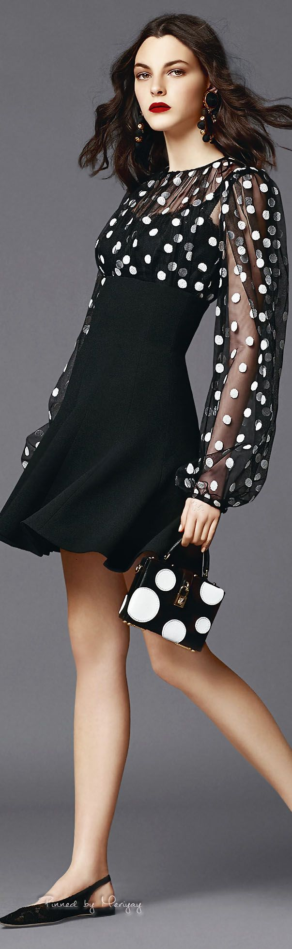 ♔Dolce & Gabbana.2015♔  #vestido #evasê #manga #poás #preto&branco