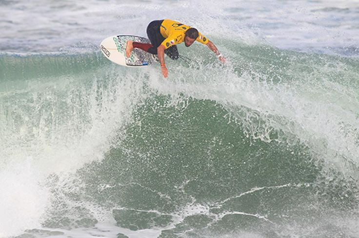 Stormy Surf on Day 2 of Soöruz Lacanau Pro