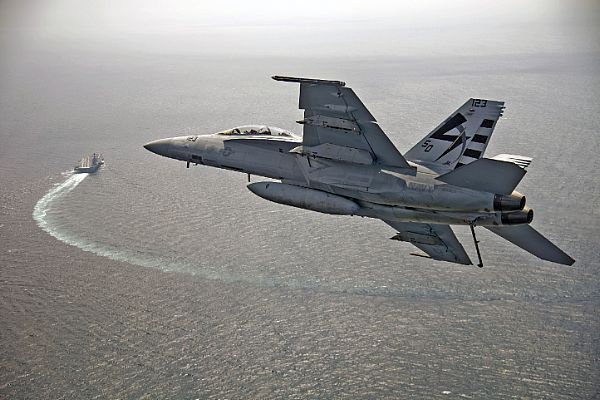 ATLANTIC OCEAN (July 28, 2017)  An F/A-18F Super Hornet assigned to Air Test and Evaluation Squadron (VX) 23 approaches USS Gerald R. Ford (CVN 78).  The aircraft carrier is underway conducting test and evaluation operations.(U.S. Navy photo by Erik Hildebrandt/Released)