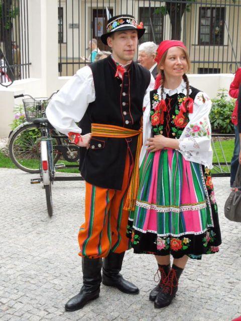 袖を通してみたぁ~い♪世界の可愛い民族衣装まとめ -ウォビッツの民族衣装 Find Travel