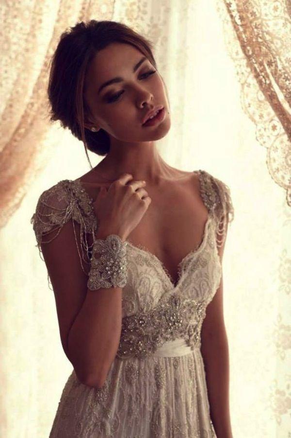 anna_campbell-vintage-isnpired-wedding-dress-beading-3