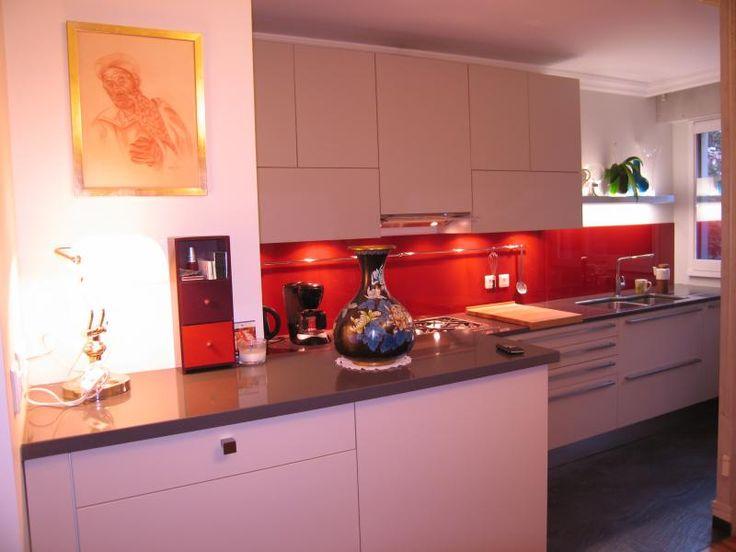 intérieur rouge et blanc | Cuisine , coloris rouge, blanc et gris ...