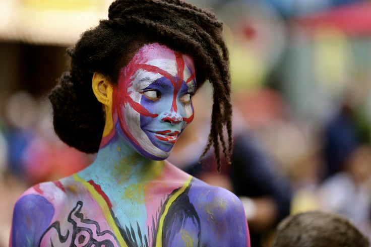 body painting in times square new york more wear it times square body ...