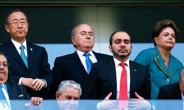 En el campo del Brasil-Croacia,  silbaron a la presidenta, Dilma Rousseff, y al presidente de la FIFA, Joseph Blatter. Junio 12/14