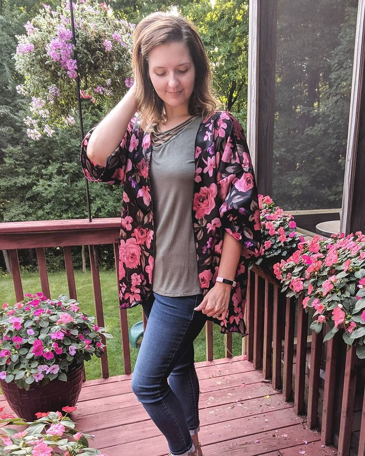 emilyjeannedesigns : Seriously obsessed with floral kimonos lately! #myejdstyle . . . #handmade #floralkimono #onlineboutique #fashiongram #boutique #shopsmall #sewing #handmadeclothing #trendy #apparel #kimonos #fashion #handmadewithlove #wearhandmade #trendyclothes #sewingmakesmehappy #womensclothing #handmadeboutique #sewinglove #kimono #emilyjeannedesigns #style #mystyle #beautiful #boutiqueshopping #summerstyle #kimonolove #ootd #currentlywearing