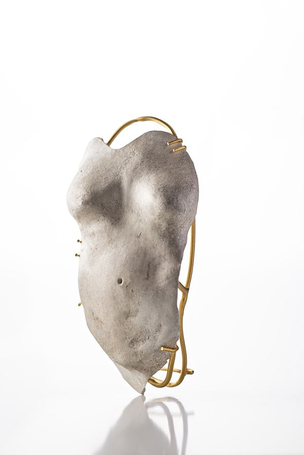 Julia Vollmann - is it you? | brooch - silver, gold plated, 2014 - MADEN istanbul