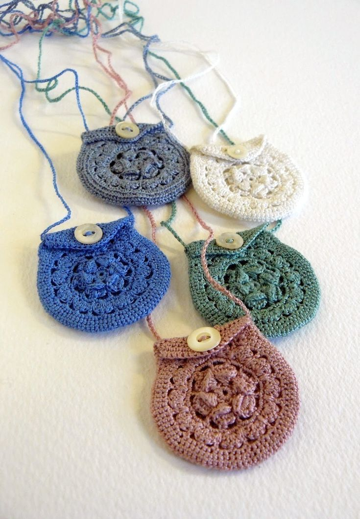 Tiny+Crochet+Keepsake+Necklaces+#howto+#tutorial