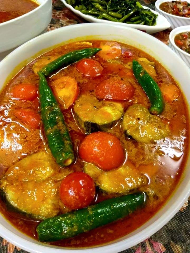 Cara Memasak Tumis Dulu Bahan Hiris Masukkan Juga Daun Kari Biar Garing Tapi Tidak Hangit Selapas Itu Masukkan Halba Spicy Recipes Food Recipies Fish Recipes