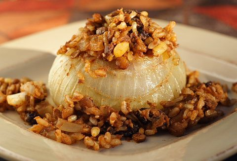 Vidalias Stuffed with Rice-Lentil PilafSide Dishes, Thanksgiving Side, Pilaf Recipe, Onions Stuffed, Yummy Food, Onions Recipe, Vidalia Onions, Stuffed Onions, Rice Lentils Pilaf