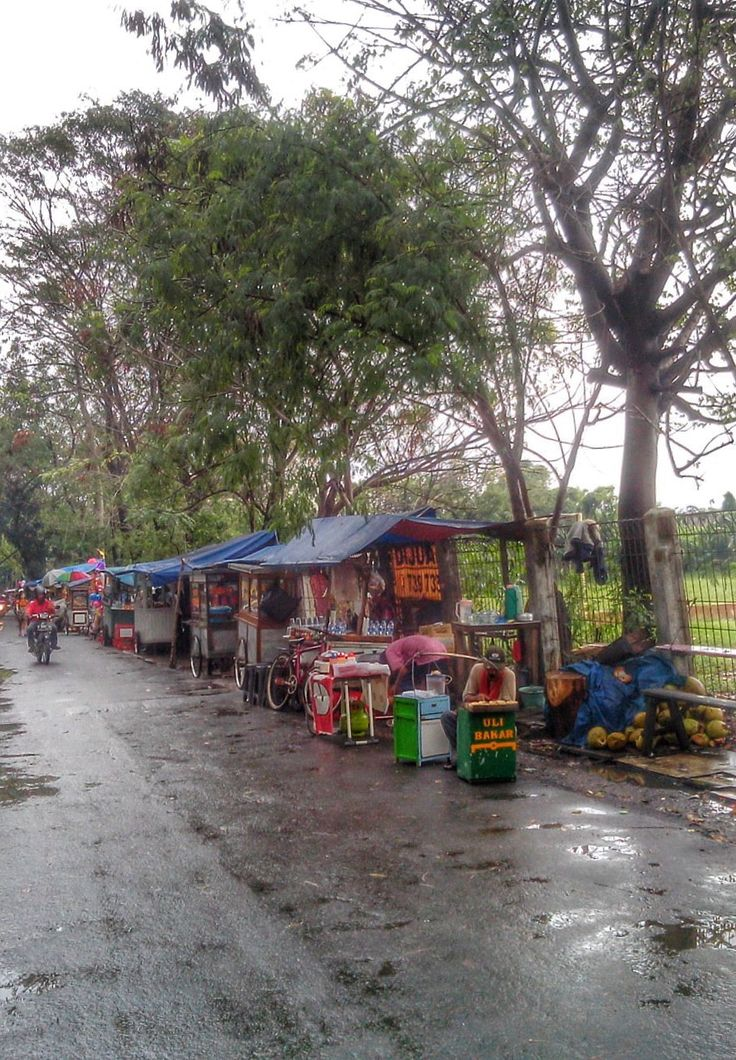 On The Way Home / pasar kaget