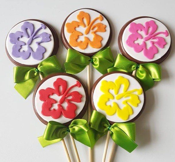 Pirulitos Tema Moana! #pirulitodechocolate #pirulitodecorado #moana #moanaparty #festamoana ...