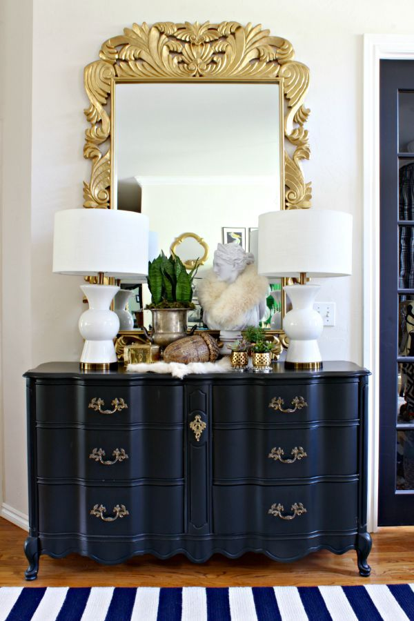 Fall decor || Entry/foyer || mixed metals || ornate gold mirror || black french provincial dresser
