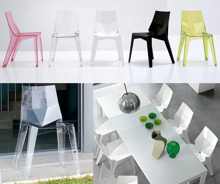La sedia Poly disegnata da KARIM RASHID per Bonaldo è una sedia in grado di suscitare grandi emozioni legate alla passione per il design.  Impilabile, stabile e resistente, realizzata in policarbonato lucido, disponibile in diverse tonalità, adatta anche per uso esterno. In vendita su Arredok ➜ http://arredok.com/it/sedia-impilabile-poly-bonaldo.html #poly #bonaldo #seduta #karimrashid #sedia #trasparente