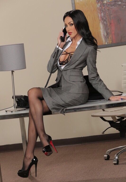 Фото босс имеет секретаршу