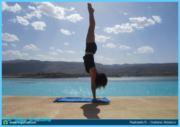 awesome Yoga handstand