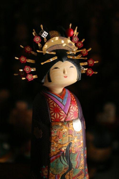 Oiran kokeshi doll