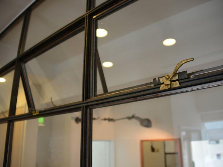 アイアン(黒皮鉄)の窓枠