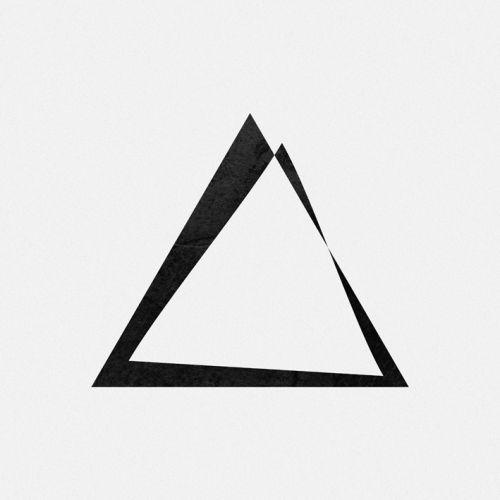 Les 25 meilleures id es concernant tatouage triangle sur pinterest triangle tatoo symbole - Signification tatouage triangle ...