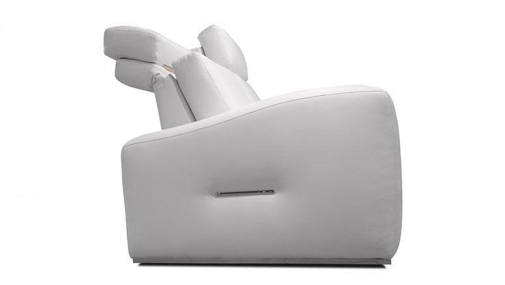 Canapes Inclinables En Cuir Fabrique Au Canada Le Canape Inclinable En Cuir Concord De Bugatti Design Est Offert Dans Un Vaste Choix De Cuirs Canape Inclinable Canape Cuir Et Canape Simple