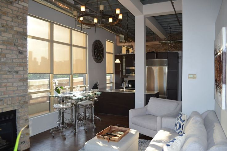 Check out this awesome listing on Airbnb: Spectacular downtown loft with city skyline view - Lofts for Rent in Toronto