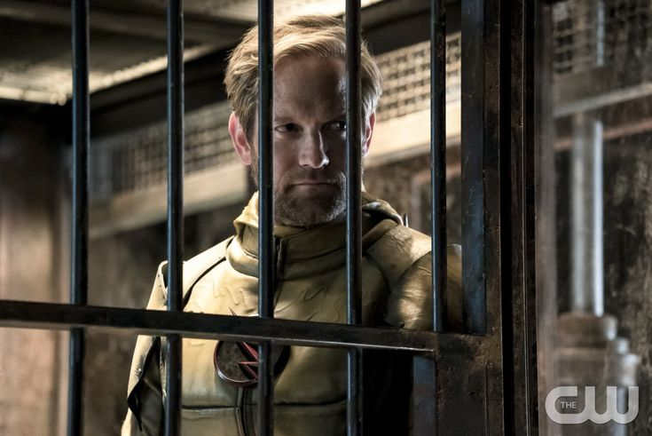 """The Flash -- """" Flashpoint"""" -- Image: FLA301b_0135b.jpg -- Pictured: Matthew Letscher as Eobard Thawne -- Photo: Katie Yu/The CW -- © 2016 The CW Network, LLC. All rights reserved.pn"""