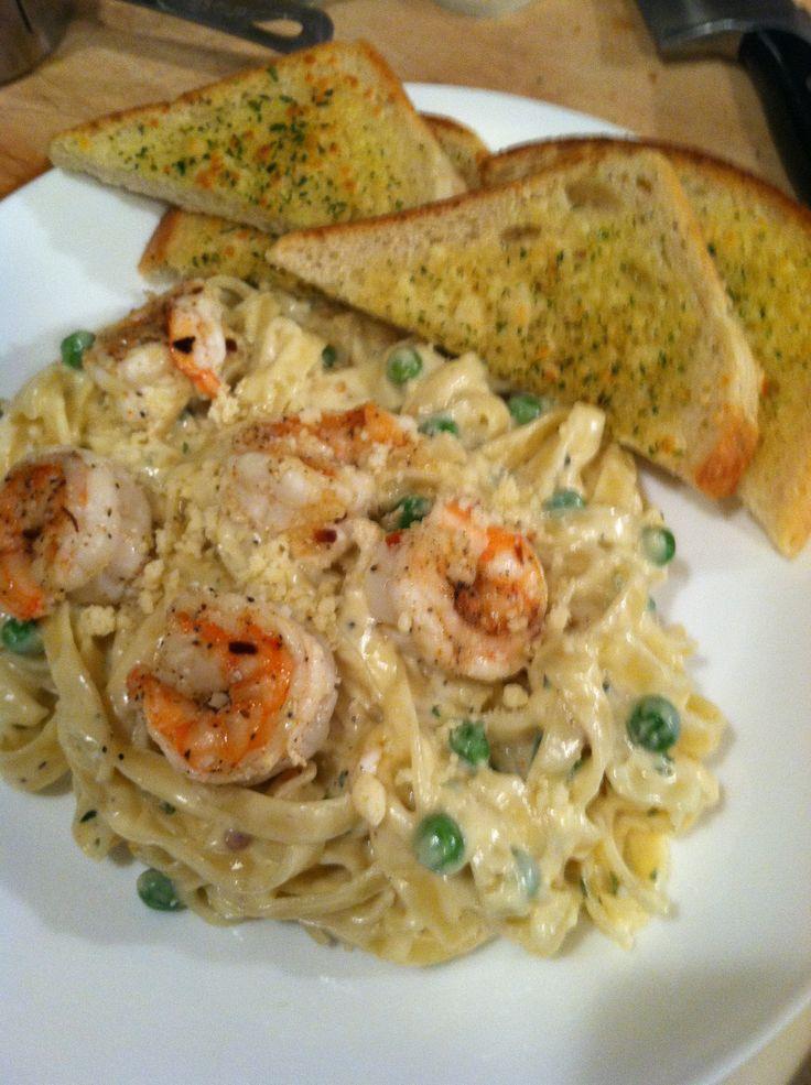 Shrimp Alfredo pasta, garlic bread, peas | Dinner is Served | Pintere ...