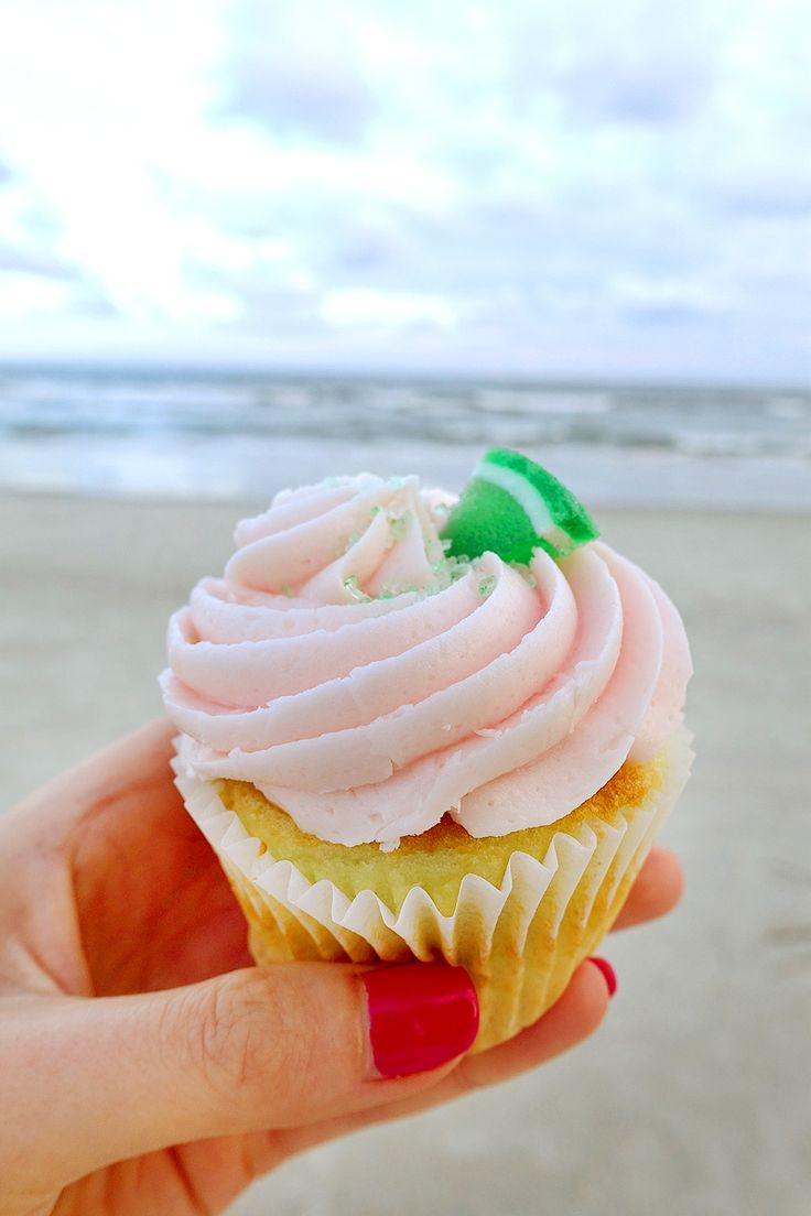 Where and what to eat in Hilton Head! Some of the best restaurants on the island.