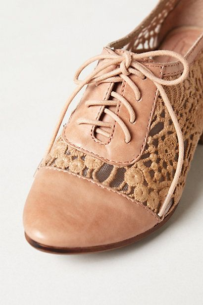 absolutely adorable!!! Laceside Oxfords #anthropologie