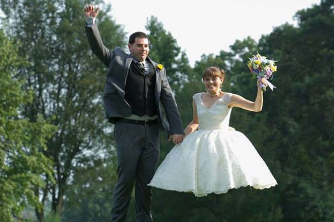 20 Wedding Photo Fails So Awful They're Everything - Answers.com....So funny!