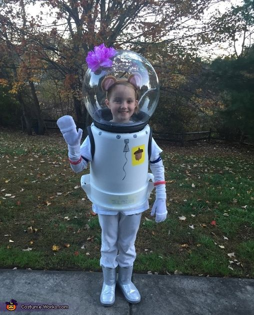 Sandy from SpongeBob SquarePants - Halloween Costume Contest via @costume_works