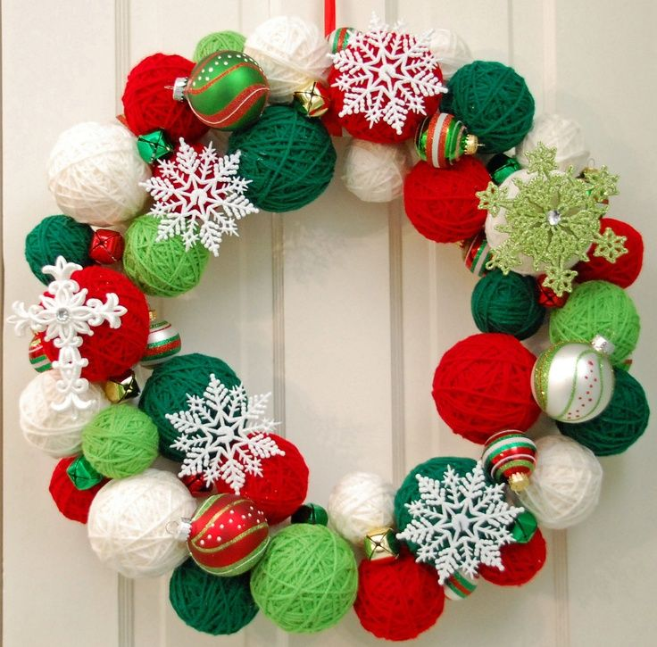 christmas ball wreath   Yarn Ball Wreath   Christmas
