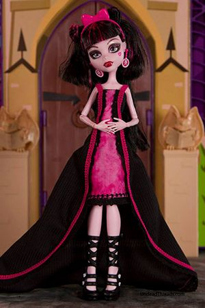 free long dress pattern from undead threads. monster high