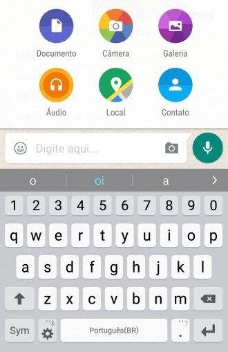 A mais nova atualização do WhatsApp permite o envio de documentos.