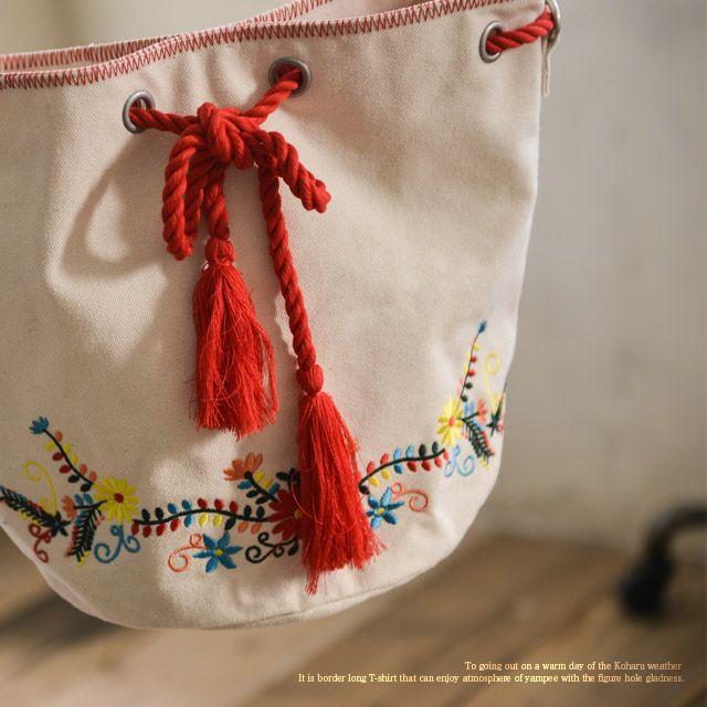 【楽天市場】バッグ 旬のフォルムに華やかな刺繍とタッセルをあしらって。花刺繍タッセル巾着ミニショルダーバッグレディース/鞄/斜め掛け/ポシェット:soulberry