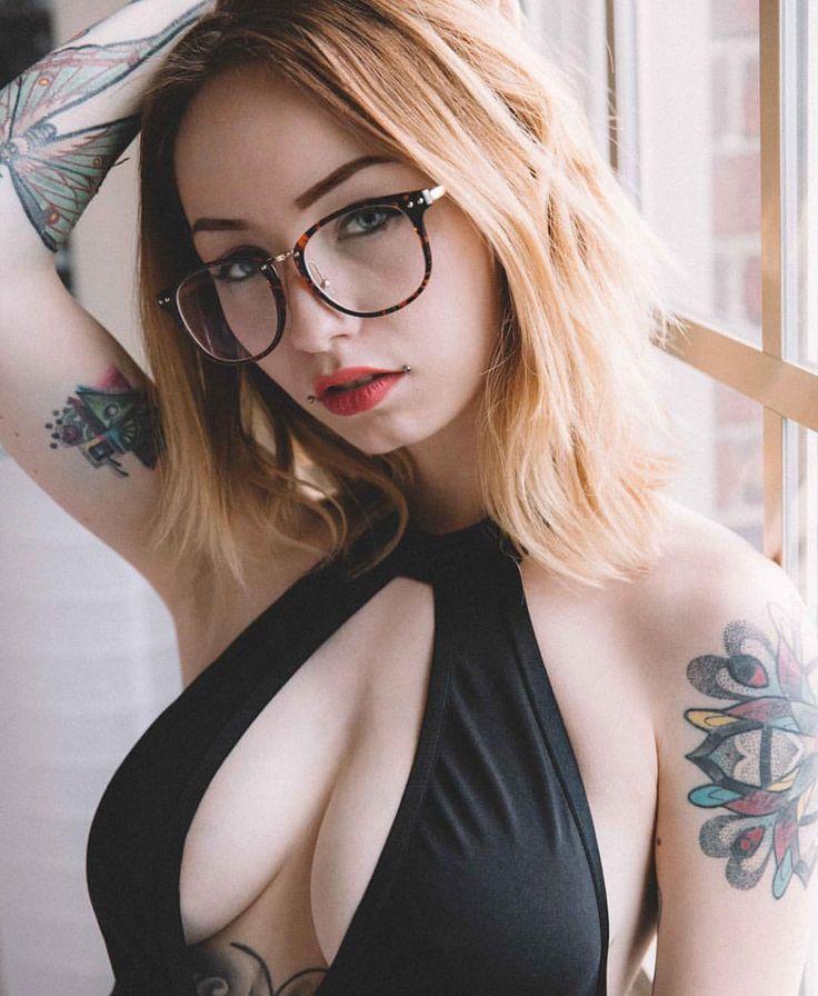 @baesuicide by @beerollbree #womenwithink #womenwithtattoos #thightattoo #legtattoo #sleeve #sleevetattoo #art #chestpiece #chesttattoo #blackwork #stomachtattoo #girlswithink #girlswithtattoos #ink #inked #inkedgirls #inkedwomen #tattoo #tattoos...