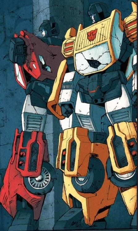 Sideswipe and Sunstreaker << my poor mechs are all banged up! Need some help with that paint job, loves?