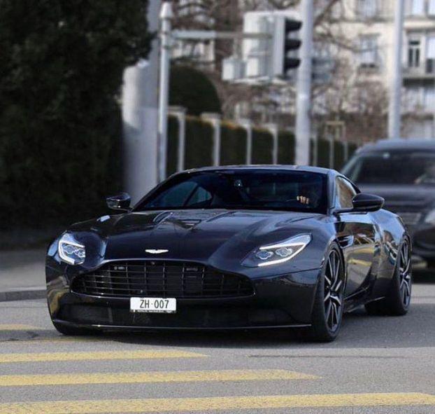 Aston Martin DB11 #luxurycars #luxury #cars #wallpaper In