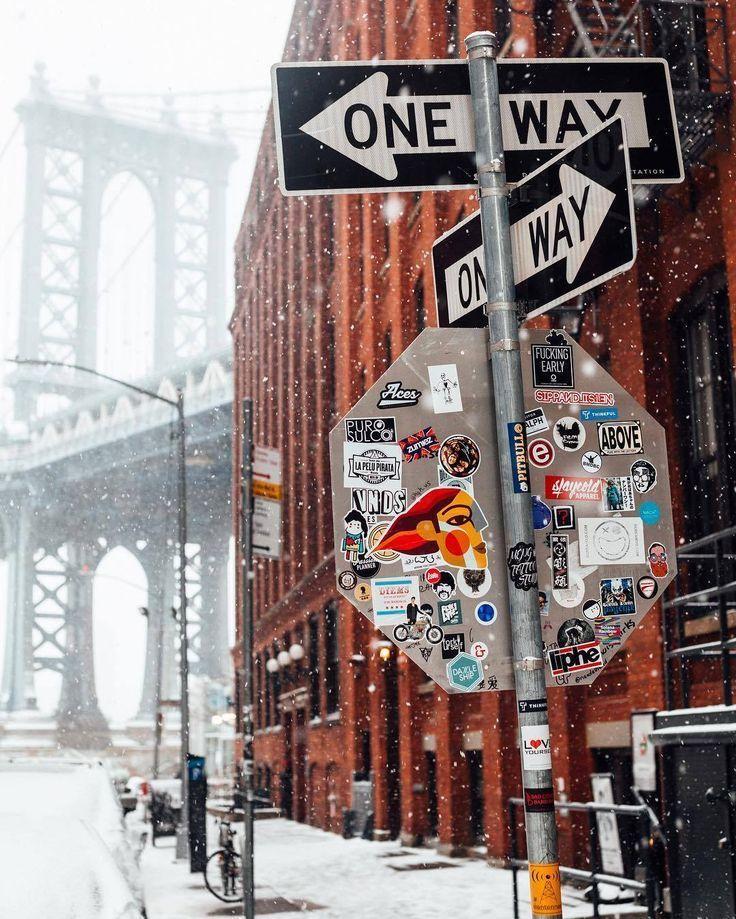 DUMBO Brooklyn, New York City Never Sleeps #seeyourcity #nycgo #nyc #iloveny #newyork #newyorkcity #visittheusa #snow #winter #wintertravel #dumbo