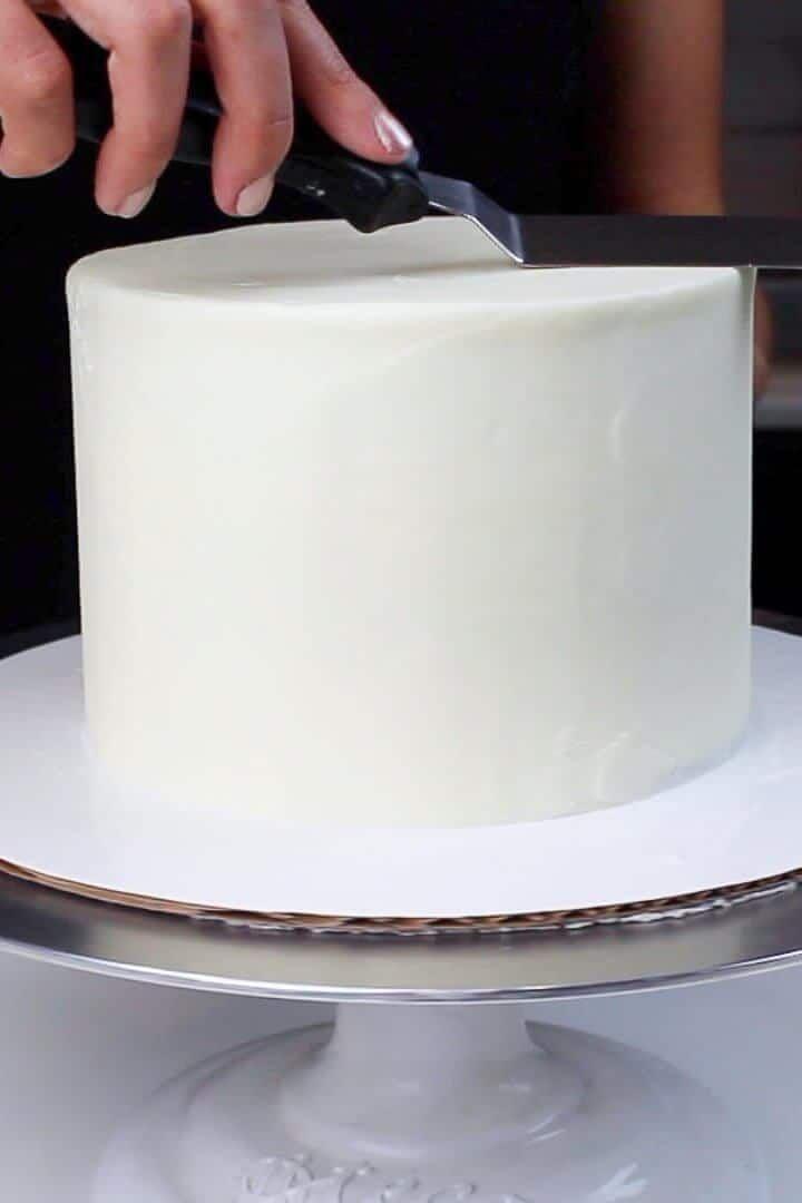 6 Inch Cake Recipe Small Vanilla Layer Cake With Buttercream Frosting In 2020 Cake Recipes Vanilla Layer Cake Recipe Layer Cake Recipes