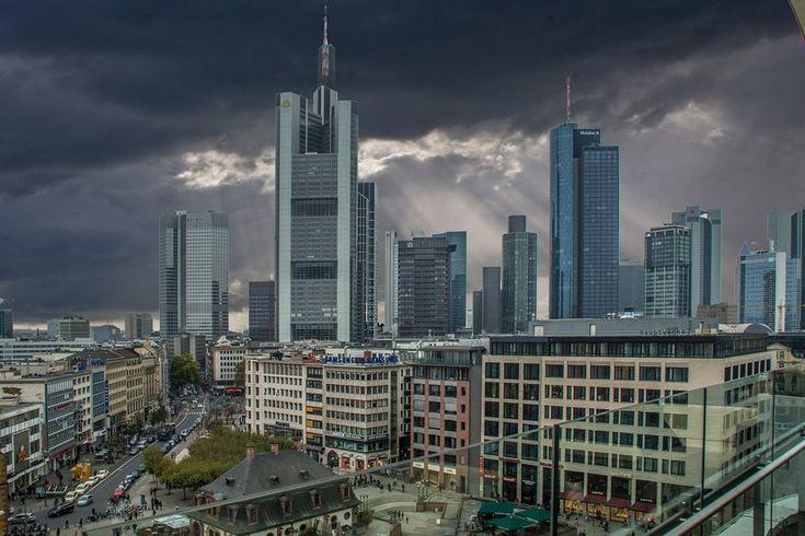 A Design Guide Of Frankfurt #Frankfurt #DesignGuide #DesignCity #ModernDesign #Design #UrbanCity http://mydesignagenda.com/design-guide-frankfurt/