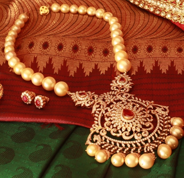 Indian Jewellery and Clothing: Pearl jewellery..