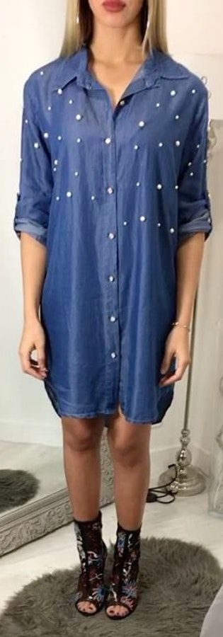 Blue dress shirt with ankle boots. Pic originally posted by les_soeurs_k #Spring #Outfits